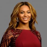 Подборка одежды и аксессуаров с изображениями Beyonce>