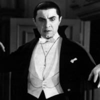 Подборка одежды и аксессуаров с символикой Дракула>