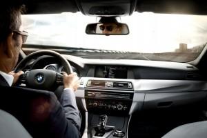 Обзор одежды и аксессуаров для водителя