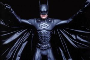 Обзор одежды и аксессуаров c изображениями BATMAN