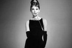 Выбираем одежду и аксессуары c изображениями Audrey Hepburn