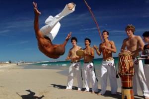 Выбираем одежду и аксессуары c принтами Capoeira
