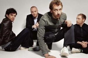 Подборка одежды и аксессуаров с символикой Coldplay