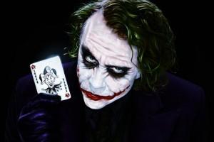 Выбираем одежду и аксессуары c изображениями Джокера