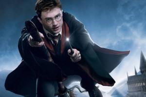 Подборка одежды и аксессуаров с изображениями Гарри Поттер