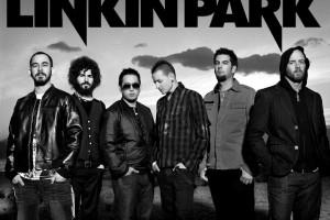Обзор одежды и аксессуаров с символикой Linkin Park