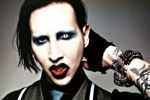 Обзор одежды и аксессуаров с принтами Marilyn Manson