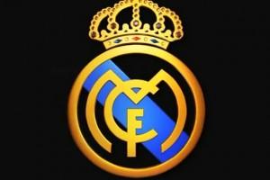 Подборка одежды и аксессуаров с символикой Real Madrid