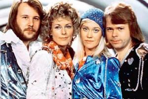 Выбираем одежду и аксессуары c изображениями ABBA