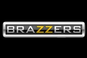 Одежда и аксессуары с принтами Brazzers