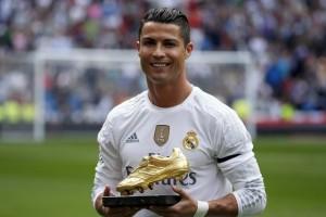 Одежда и аксессуары с Cristiano Ronaldo