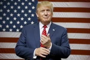Выбираем одежду и аксессуары c изображениями Donald Trump