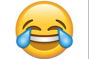 Обзор одежды и аксессуаров с изображениями Emoji